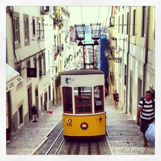 Elevador da Bica, Lisbon